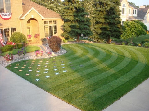 How to Start a Landscaping Business Picture