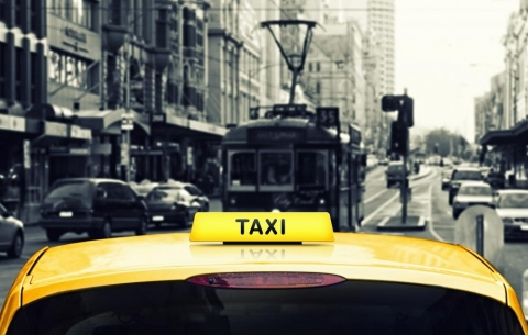 Taxi or public transportation - what option is better
